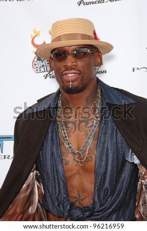 """NBA star DENNIS RODMAN at """"Comedy Central's Roast of Pamela Anderson"""" at Sony Studios, Culver City. August 7, 2005 Culver City, CA  2005 Paul Smith / Featureflash"""