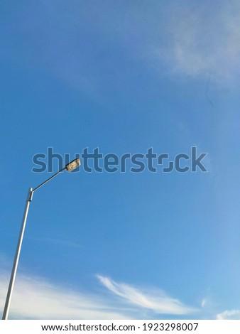 negatif space lamp blue sky Stok fotoğraf ©