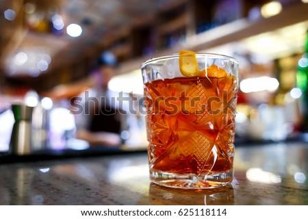 Negroni at the bar