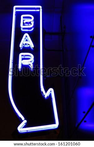 Neonreklame einer Bar