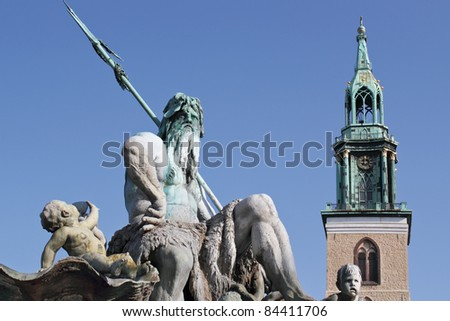 Neptune Fountain and St Mary\'s Church