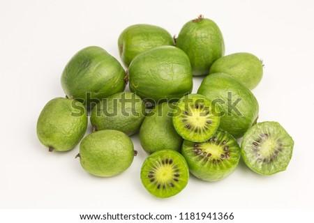 nergi mini kiwi berries on white background Photo stock ©