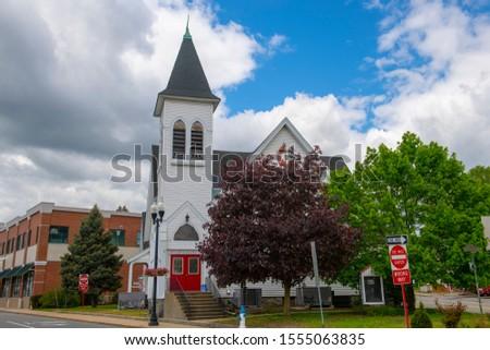New Hope Fellowship Church on Main Street in Maynard historic town center in summer, Maynard, Massachusetts, USA. Zdjęcia stock ©
