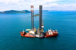New jackup rig movement and transport by heavy lift vessel for installation at oversea.