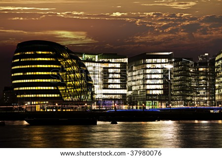 New London city hall at night from Thames river