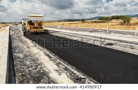 new road  pavement machine...