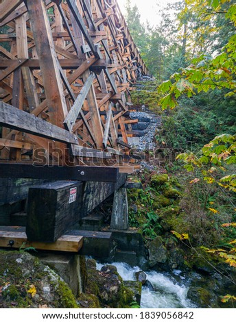 New Todd Creek Trestle after repair - Todd Creek Trail's stunning right-hand look after a new repair 04.  Stock fotó ©