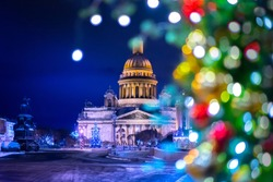 New Year's lights in St. Petersburg. Christmas decorations at the St. Isaac's Cathedral. New Year's city. SAINT PETERSBURG. Russia.