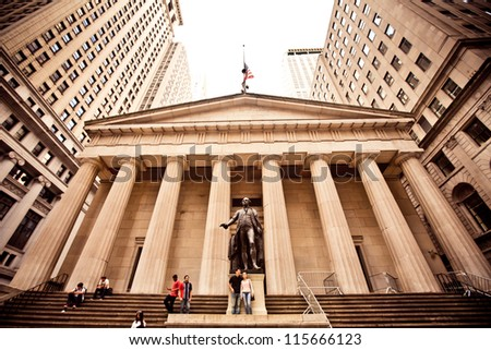 NEW YORK - AUGUST 18 : Federal Hall, built in 1700 , is the site of George Washington's 1789 inauguration as the first President of the United States on August 18, 2012 in New York City, NY.
