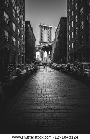 New York City, Brooklyn. A city glimpse that recalls the most classic films like,