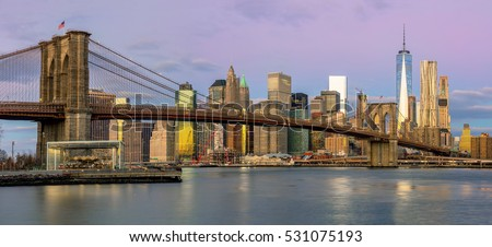 New York City - Panoramic view of Manhattan with famous Brooklyn Bridge at early morning, big size #531075193