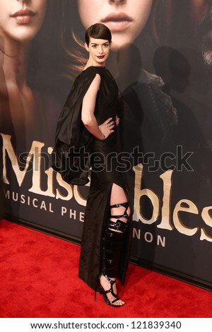 "NEW YORK-DEC 10: Actress Anne Hathaway attends the premiere of ""Les Miserables"" at the Ziegfeld Theatre on December 10, 2012 in New York City."