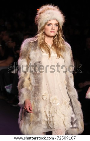 new york february 16 top model lily donaldson walks the runway at