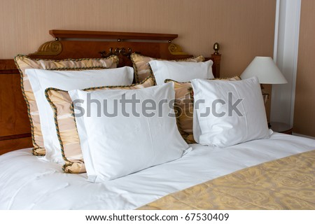 New York: interior of a five stars hotel - bedroom