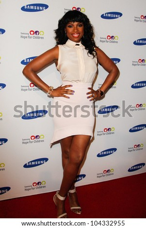 NEW YORK-JUNE 4: Singer Jennifer Hudson attends Samsung's annual Hope for Children gala at the American Museum of Natural History on June 4, 2012 in New York City.