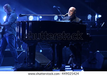 NEW YORK   MAY 27, 2016: Billy Joel Performs In Concert At Madison Square