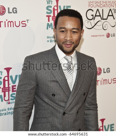NEW YORK - NOV 8: John Legend attends VH1 Save the Music Foundation Gala on November 8, 2010 in New York City.