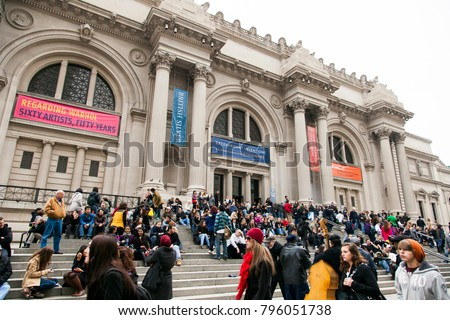 NEW-YORK - NOV 10: Street musicians performing for the crowded entrance to the Metropolitan Museum on November 10, 2012 in New-York, USA. #796051738