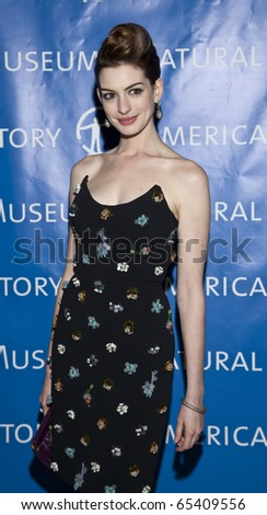 NEW YORK - NOVEMBER 18: Anne Hathaway attends American Museum of Natural History Gala on November 18, 2010 in New York, City.