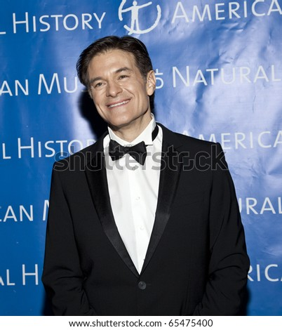 NEW YORK - NOVEMBER 18: Dr. Mehmet Oz attends American Museum of Natural History Gala on November 18, 2010 in New York, City.