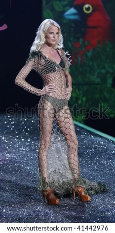 NEW YORK - NOVEMBER 19: Victoria's Secret Fashion Show model Caroline Winberg on November 19, 2009 at the Lexington Armory in New York City.