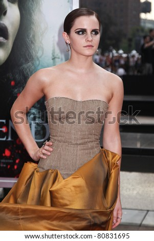 NEW YORK, NY - JULY 11: Actress Emma Watson attends the New York premiere of 'Harry Potter And The Deathly Hallows: Part 2' at Avery Fisher Hall, Lincoln Center on July 11, 2011 in New York City.