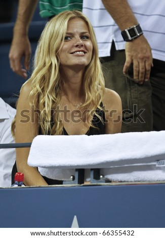 NEW YORK - SEPTEMBER 01: Brooklyn Decker attends match between Andy Roddick of USA and Janko Tipsarevic of Serbia at US Open Tennis Championship on September 01, 2010 in New York, City.