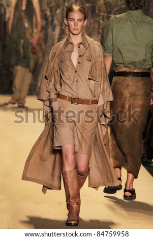 NEW YORK - SEPTEMBER 14: Model Emily Baker walks the runway at the Michael Kors S/S 2012 collection presentation during Mercedes-Benz Fashion Week on September 14, 2011 in New York.