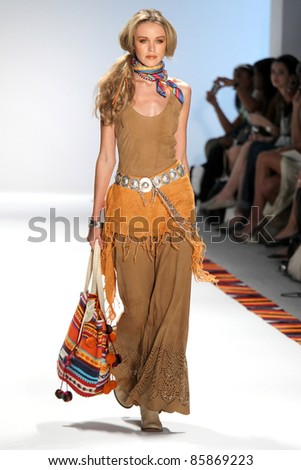 NEW YORK - SEPTEMBER 13: Model walks runway for Argentina Designers collection by Cardon at Mercedes-Benz Spring/Summer 2012 Fashion Week on September 13, 2011 in New York City
