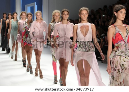 NEW YORK - SEPTEMBER 13: Models walk the runway at the Vera Wang S/S 2012 collection presentation during Mercedes-Benz Fashion Week on September 13, 2011 in New York.