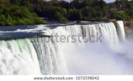 Niagara falls , American Falls - Horseshoe falls #1072598042
