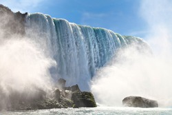 Niagara Falls, view from the water level
