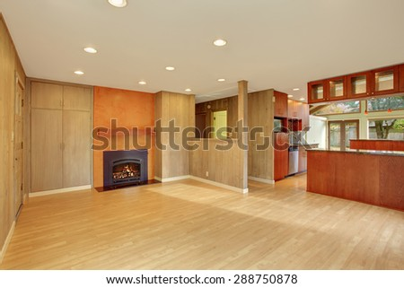 Nice Living Room With Hard Wood Floor And Fireplace Cherry Wood