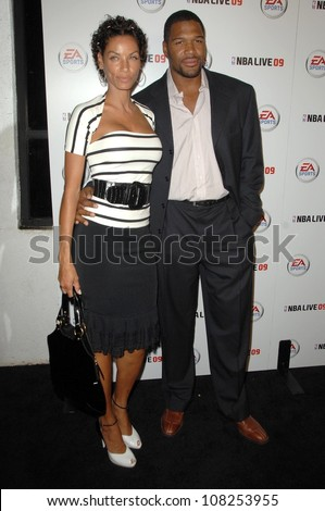 Nicole Murphy and Michael Strahan  at the Launch Party for NBA Live 09. Beso, Hollywood, CA. 09-26-08