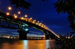 Night  Bridge of Auckland