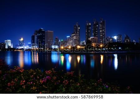 Night City #587869958