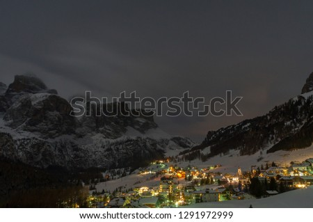 Night landscape in Colfosco, Dolomitas  Foto stock ©