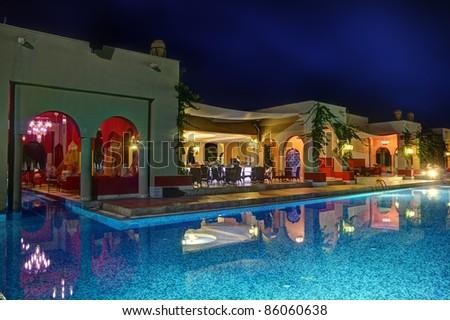 Night pool bar