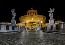 Nights are magic in Rome: the Saint Angel Castle