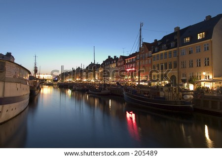 Nightshot at Nyhavn harbour, Copehagen