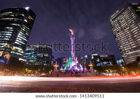 Nighttime view of the Angel of Independence.