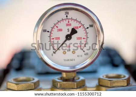 No pressure in the barometer