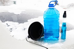 non-freezing liquid for the windshield of the car trunk