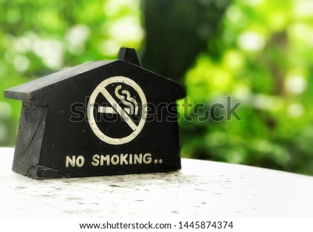 Non-smoking area In this area.