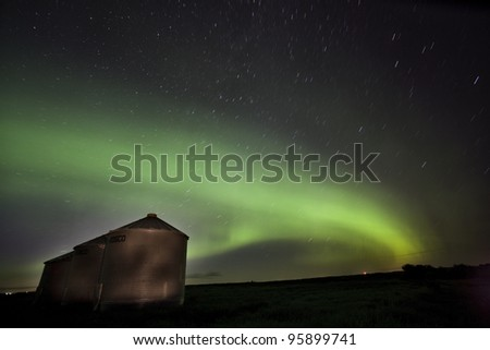 Northern Lights Saskatchewan Canada green color and shape