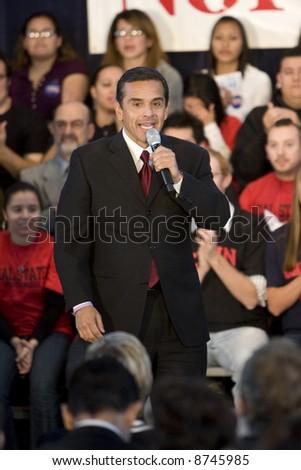 Northridge, CA January 17, 2008:  Los Angeles Mayor Antonio Villaraigosa speaking the audience at Hillary Clinton 2008 rally.