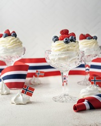 Norwegian Independence Day 17th mai. Pavlova in glass