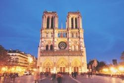 Notre-Dame de Paris front view at night
