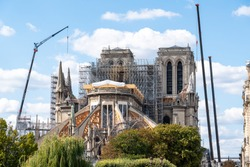 Notre-Dame de Paris under construction