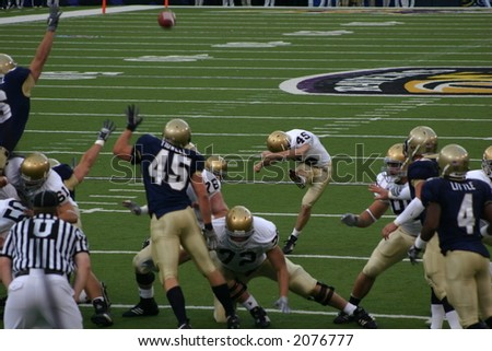 Notre Dame's Carl Gioia makes the extra point during the Navy game on October 28, 2006